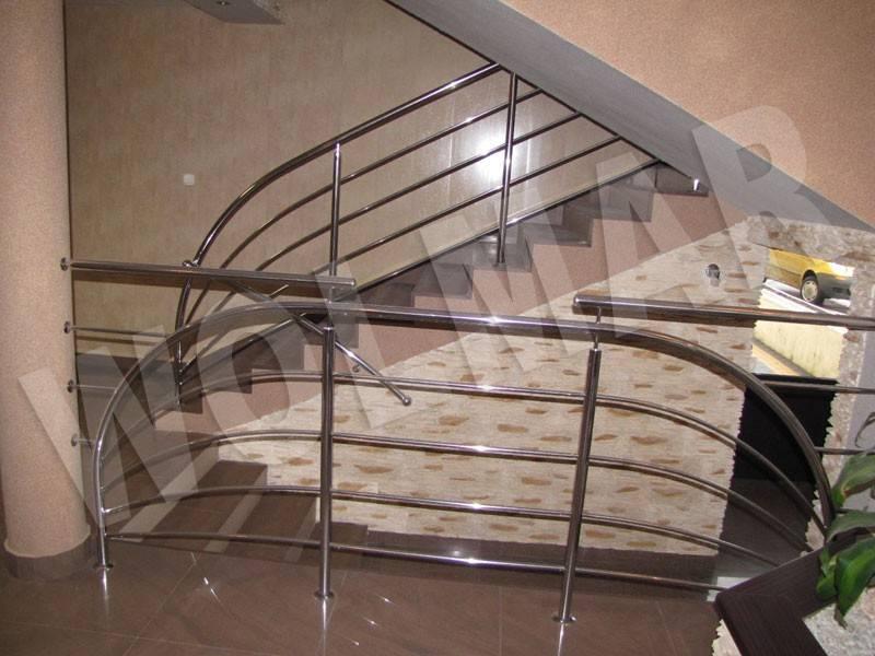 Ogromny PKM Dąbrowa Górnicza, balustrady wewnętrzne schodowe z Kwasówki DK26